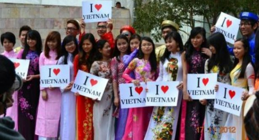 Number of Vietnamese students abroad up 15% in 2013